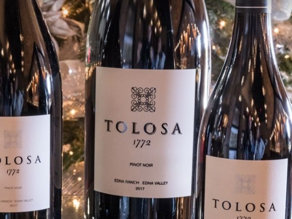 The 1772 Chardonnay is Tolosa's classic Chardonnay that secured 91 points and a gold medal at the 2020 Sommeliers Choice Awards.