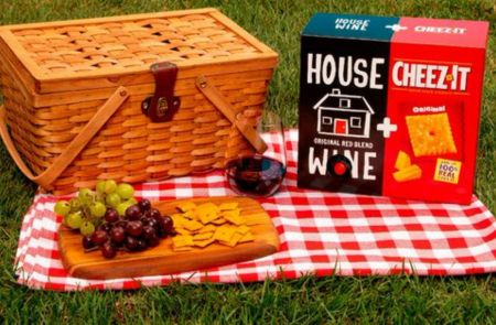 Photo for: A Delicious Love Affair - Wine & Cheeze-Its Come Together For A Toothsome Experience
